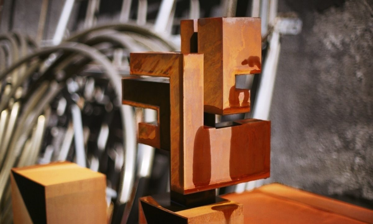 Obra de arte del escultor español Arturo Berned
