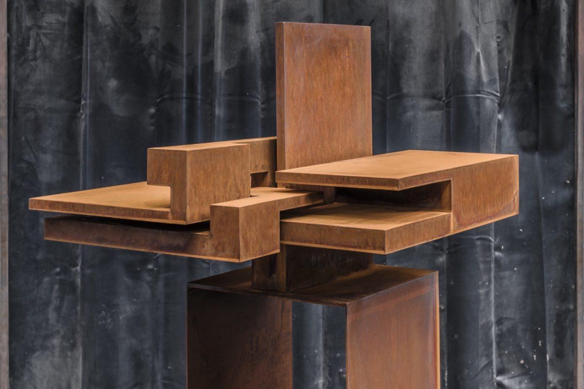 Escultura de Arturo Berned inspirada en la arquitectura de Frank Lloyd Wright