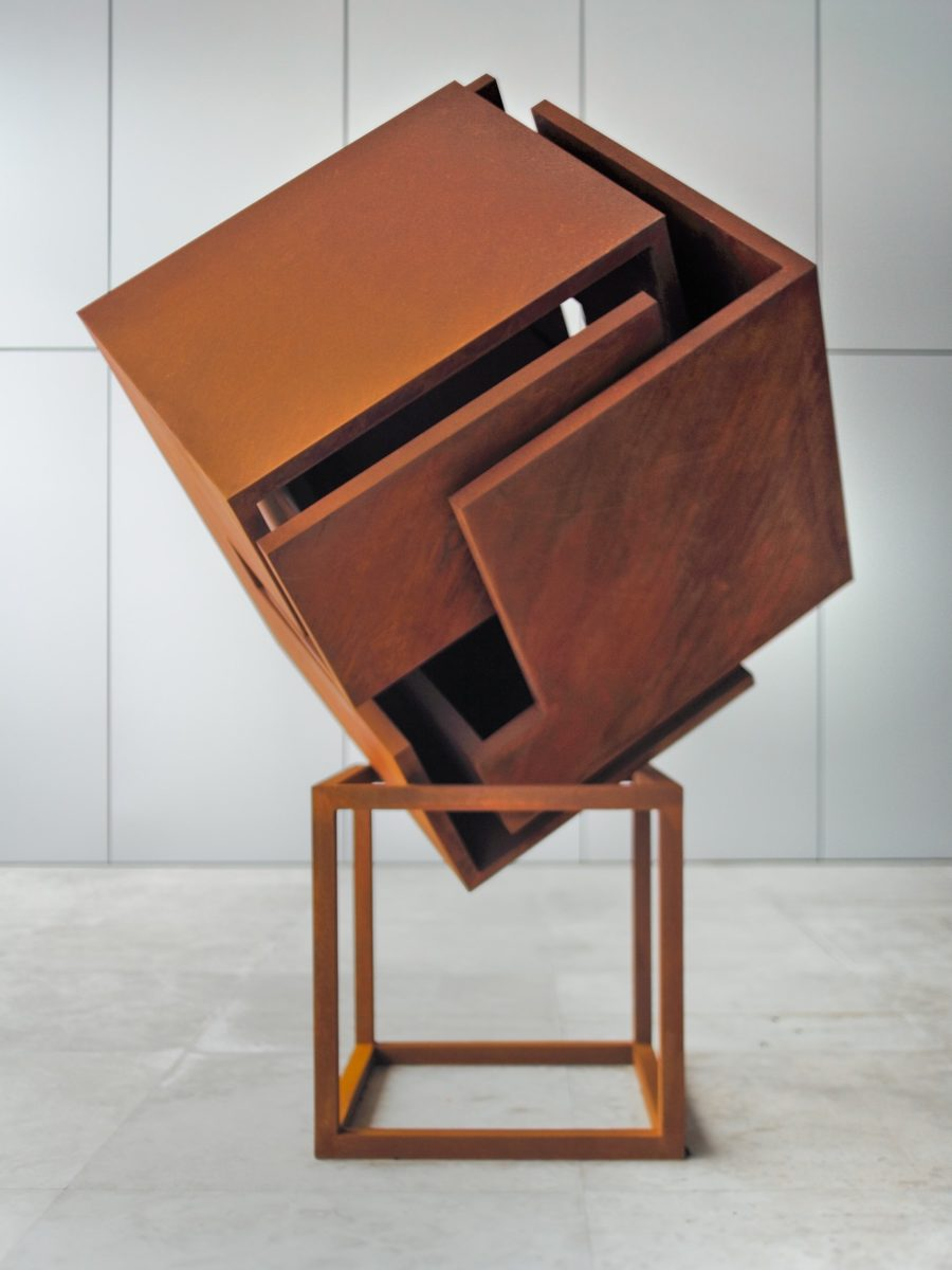 Work made by spanish sculptor Arturo Berned with corten steel