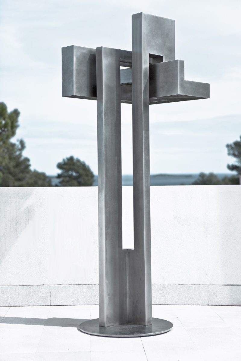 Stainless steel sculpture by Arturo Berned