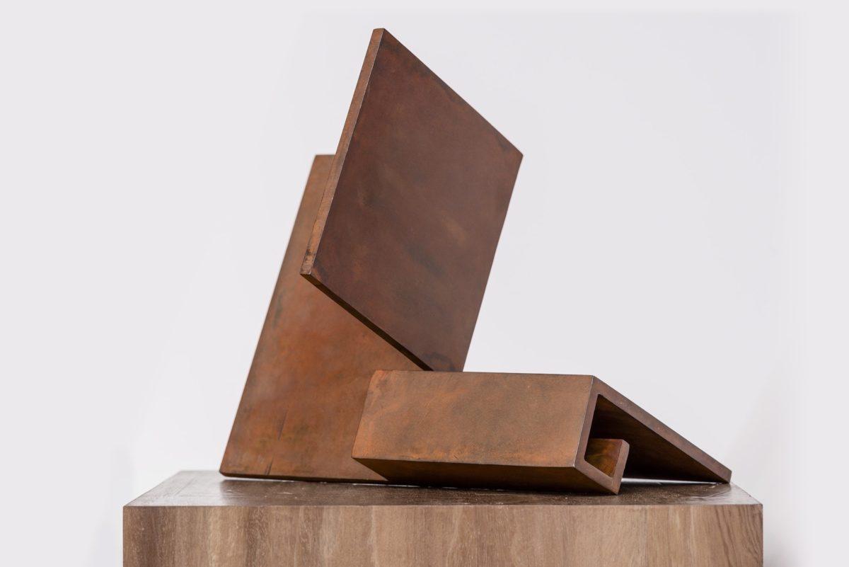 Obra del escultor español Arturo Berned en acero corten
