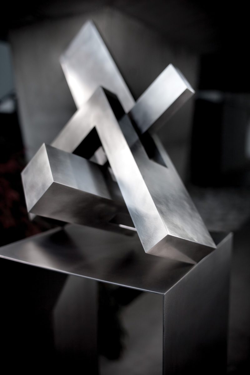 Geometric sculpture made with stainless steel