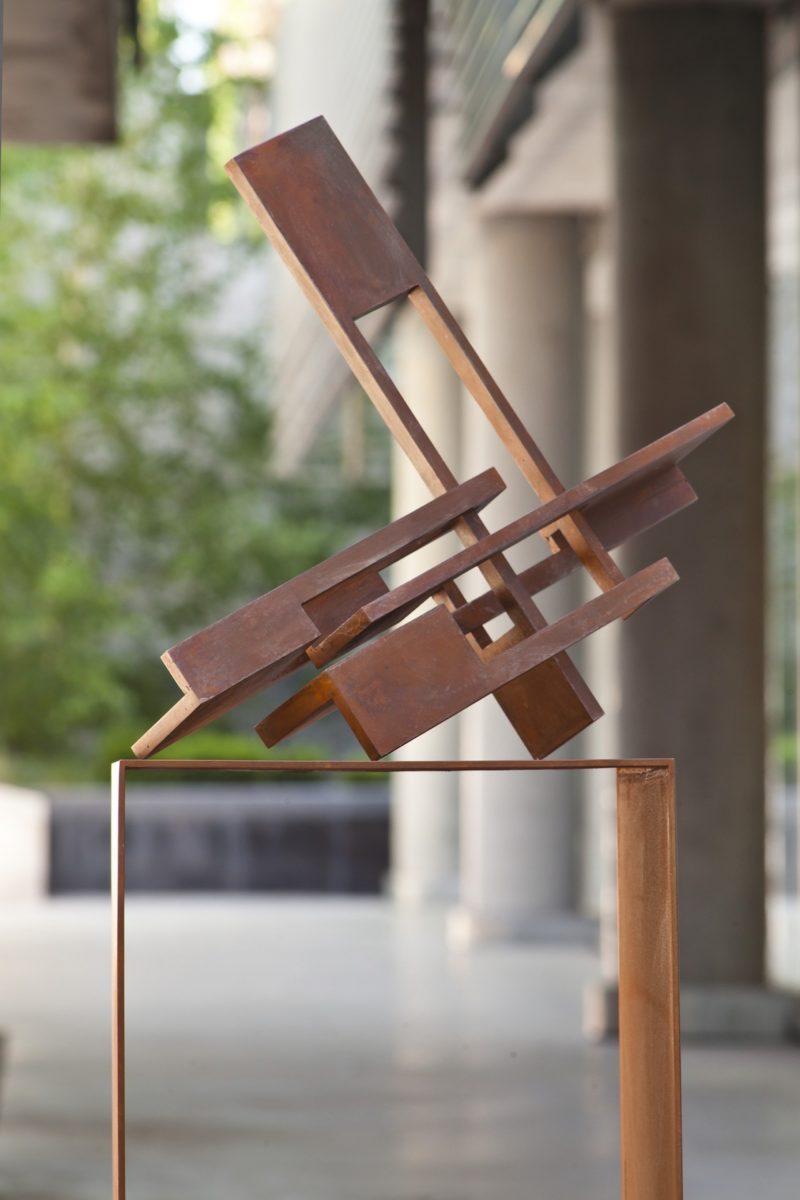 """Cabeza XII"" del escultor español Arturo Berned"