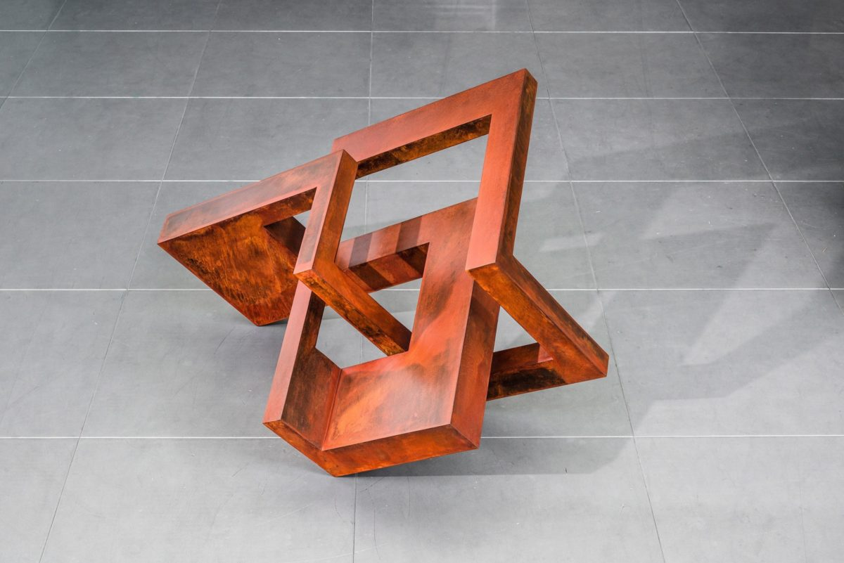 """Head XV"" from sculptor Arturo Berned made with corten steel"
