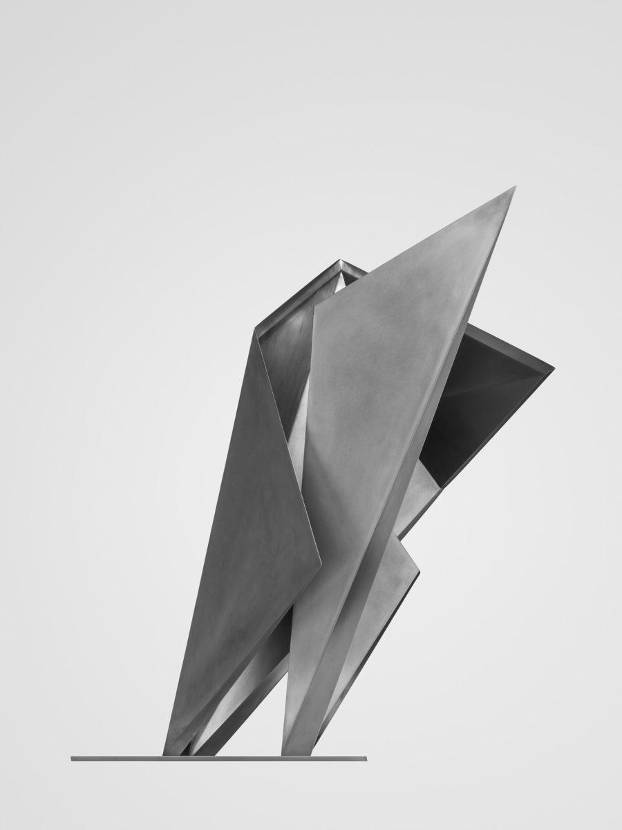 Escultura de acero inoxidable en colaboración con Toyo Ito