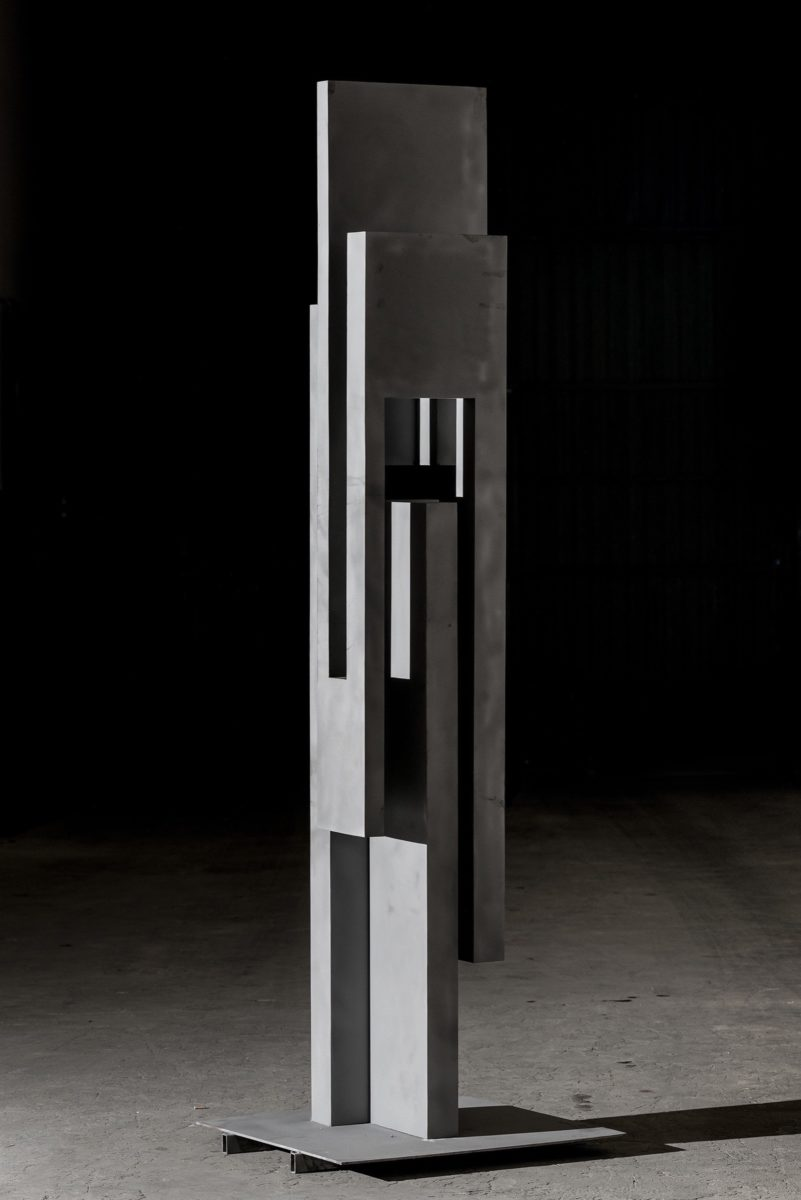 The pillar that underpins the form