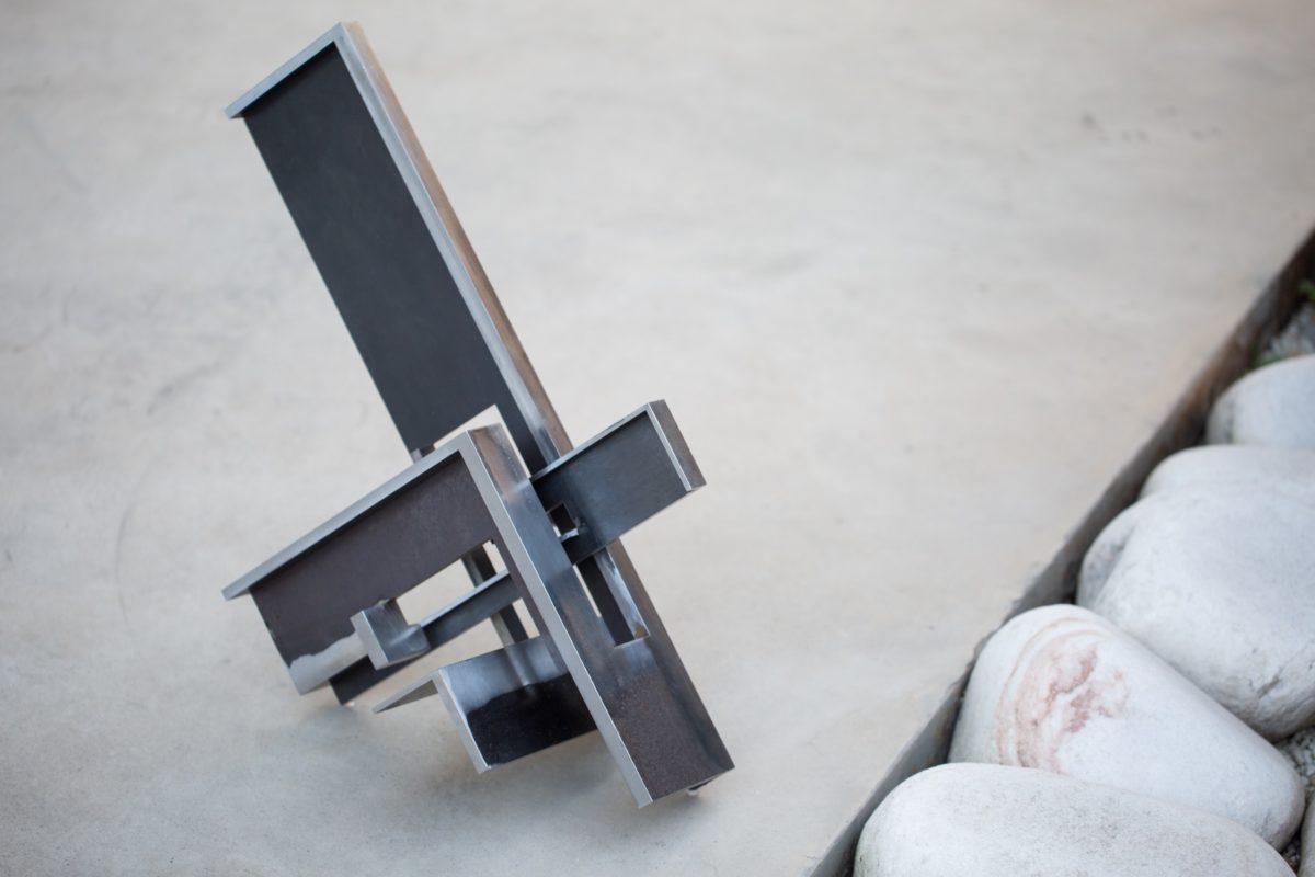 Sculpture made with non oxidized corten steel