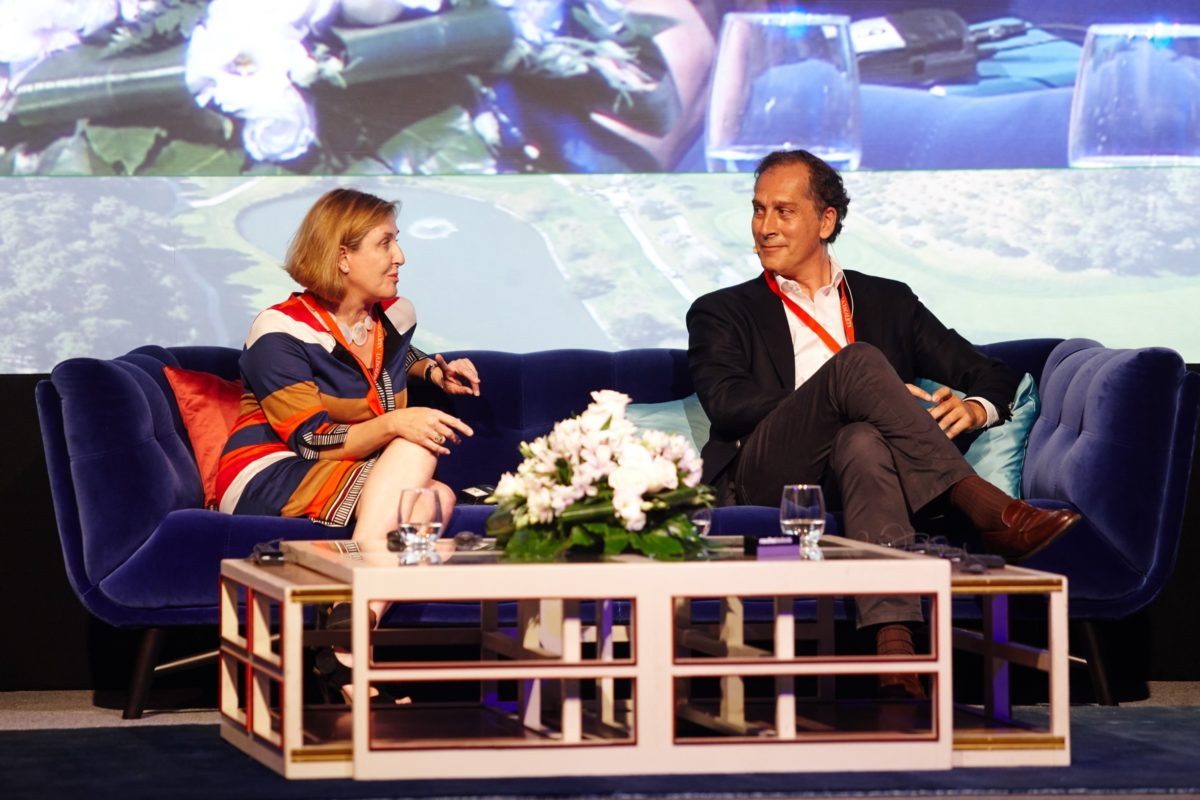 Arturo Berned participates in the conversations over art and luxury in the Forum La Zagaleta